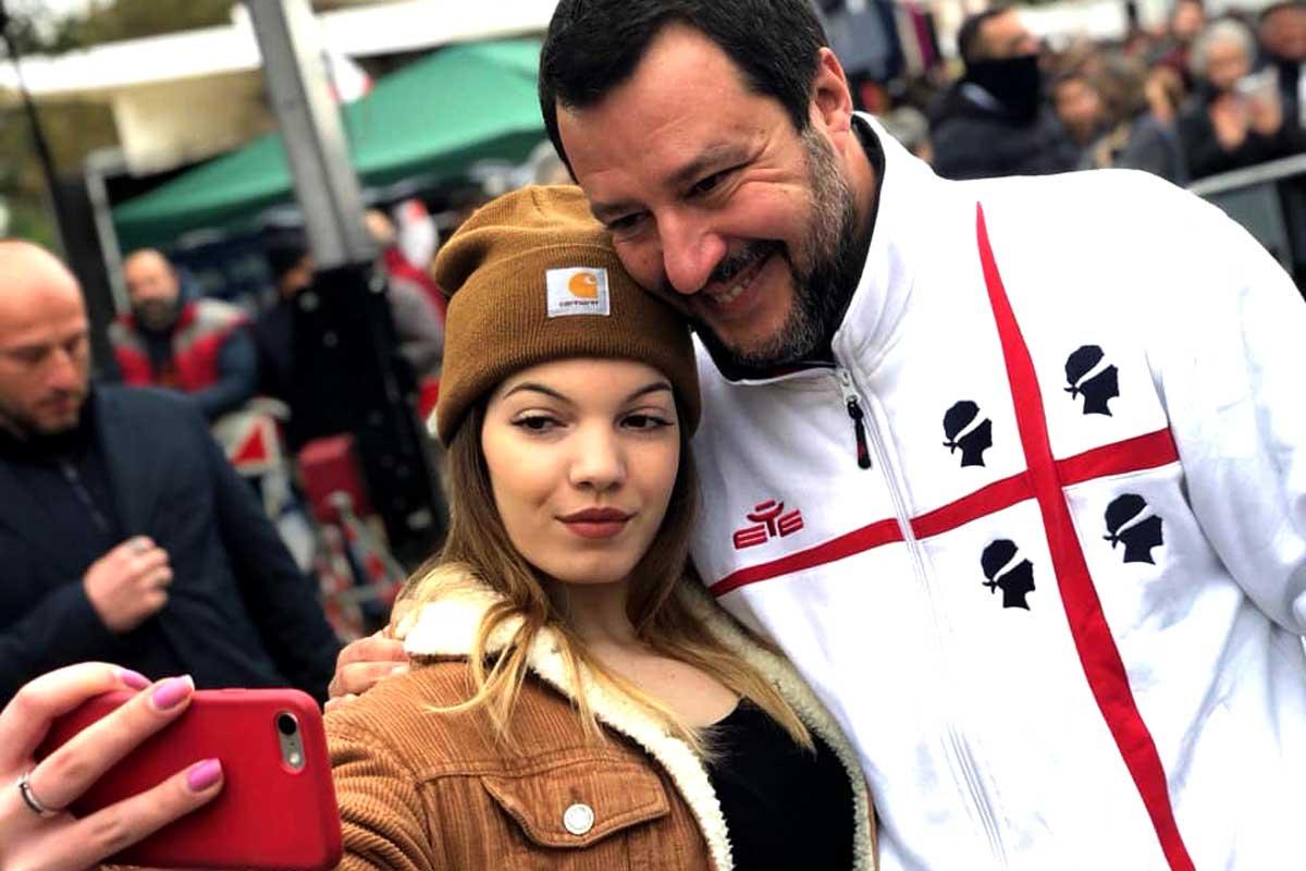 Matteo Salvini selfie