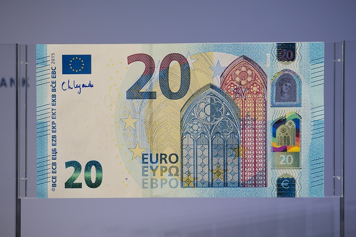 New signature for euro banknotes