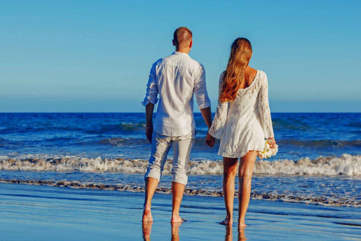 Summer-Sea Beach couple Summer-LOVE