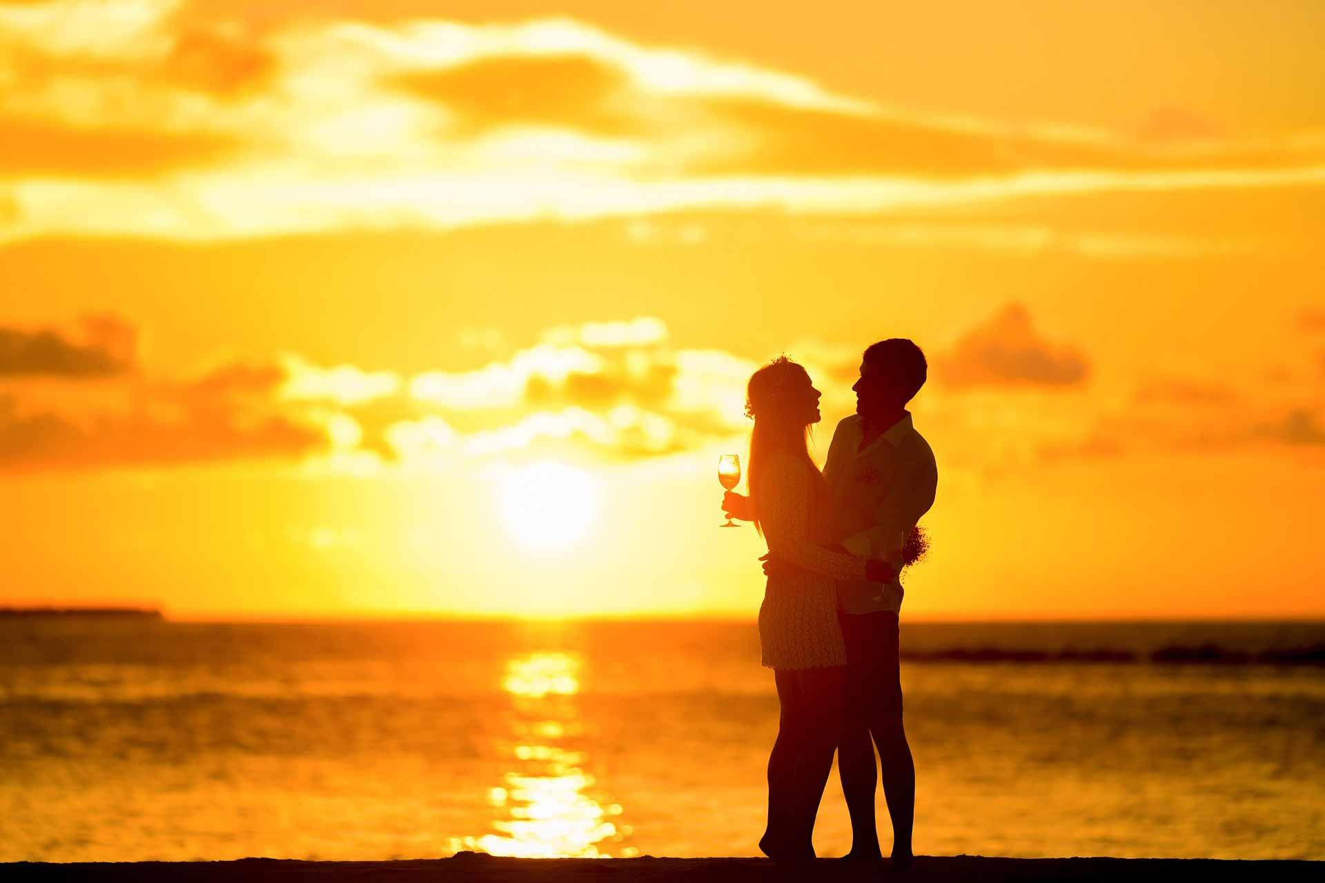 Summer-Sea Beach couple Summer-LOVE Tourism Vacation