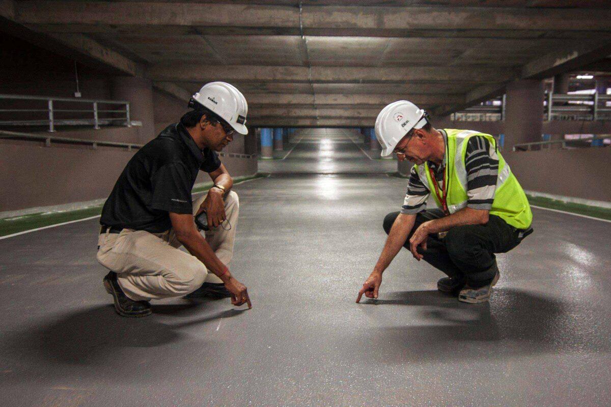 men construction workers workforce