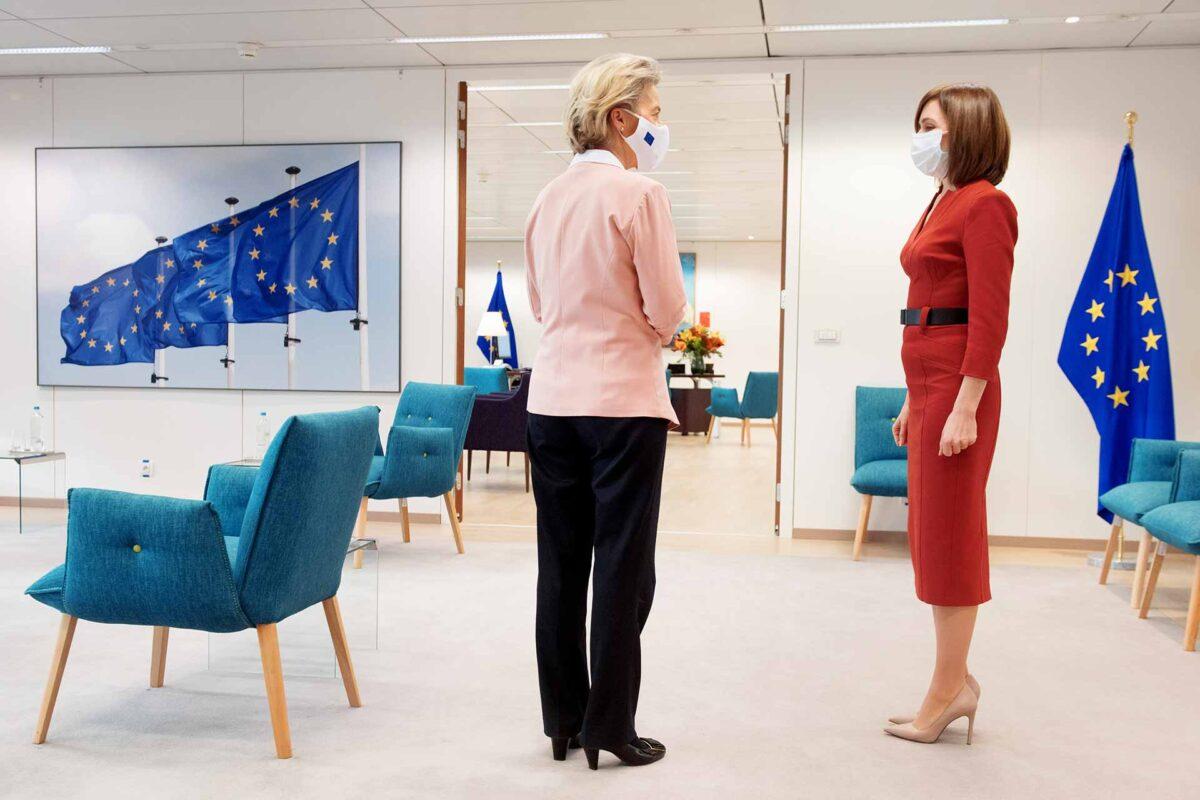 Moldova President Maia Sandu and Ursula von der Leyen