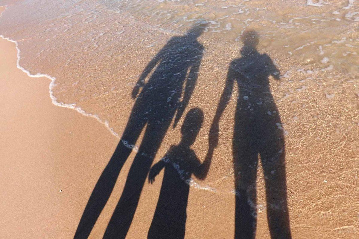 family-Summer beach