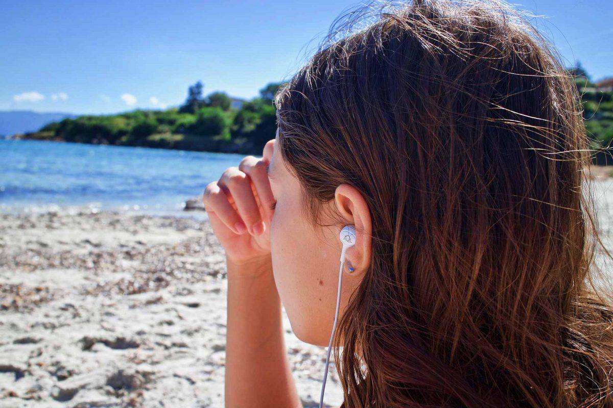 meditation-hearing loss listening to music